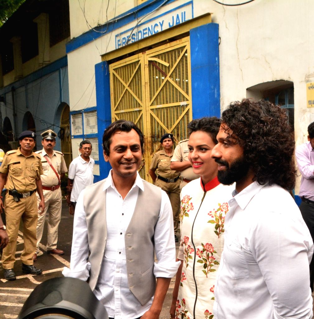 "Actors Bidita Bag and Nawazuddin Siddiqui during the promotion of their upcoming film ""Babumoshai Bandookbaaz"" at Presidency Jail in Kolkata on Aug 12, 2017. - Bidita Bag and Nawazuddin Siddiqui"