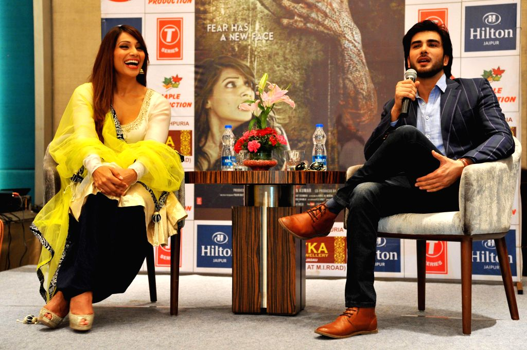 Actors Bipasha Basu and Imran Abbas during a press conference to promote their upcoming film `Creature 3D` in Jaipur on Sept 8, 2014. - Bipasha Basu and Imran Abbas