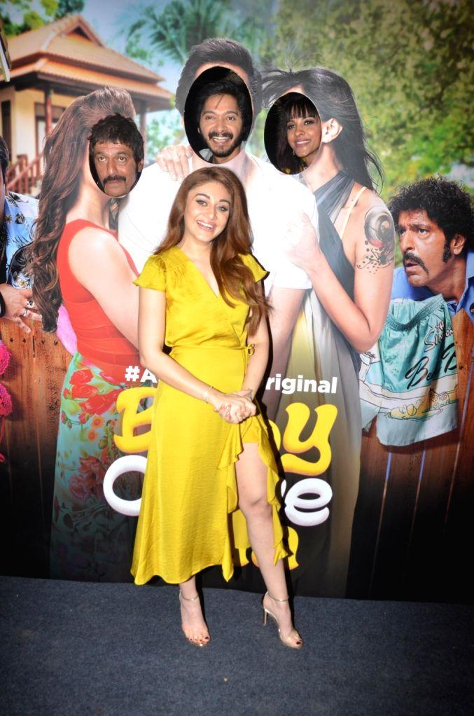 "Actors Chunky Pandey, Shreyas Talpade, Shefali Jariwala and Manasi Scott at the screening of ALT Balaji's ""Baby Come Naa"" web series in Mumbai on Oct 30, 2018. - Chunky Pandey, Shreyas Talpade, Shefali Jariwala and Manasi Scott"