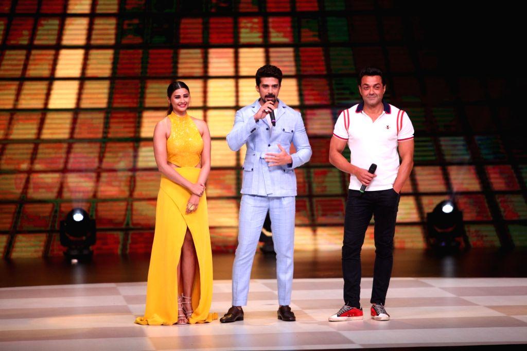 "Actors Daisy Shah, Bobby Deol and Saqib Saleem on the sets of dance reality show ""Dance Deewane"" in Mumbai's Juhu on May 20, 2018. - Daisy Shah, Bobby Deol and Saqib Saleem"