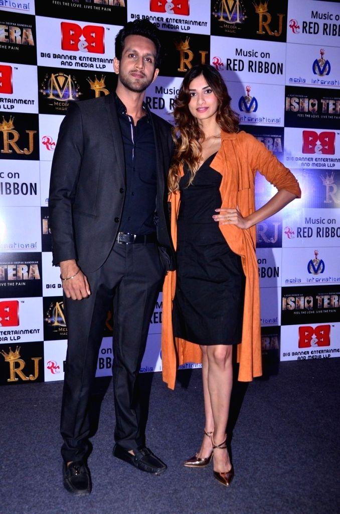"Actors Diksha Singh, Mohit Madaan during music launch of upcoming film ""Ishq Tera"" in Mumbai, on March 27, 2018. - Diksha Singh and Mohit Madaan"