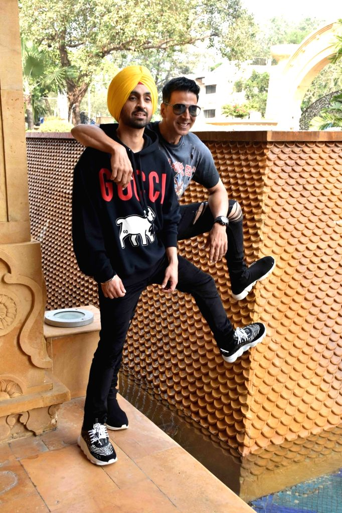 """Actors Diljit Dosanjh and Akshay Kumar during the promotions of their upcoming film """"Good Newwz"""" in Mumbai on Dec 12, 2019. - Diljit Dosanjh and Akshay Kumar"""