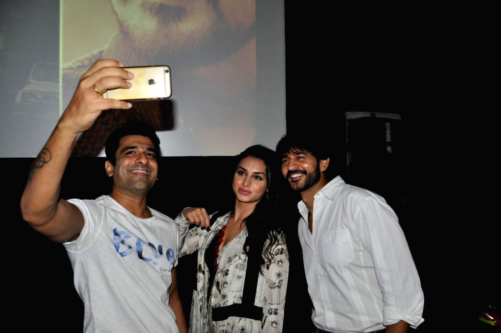 Actors Eijaz Khan, Suha Gezen and Hiten Tejwani during the press conference of film Shorgul in Mumbai on June 29, 2016. - Eijaz Khan, Suha Gezen and Hiten Tejwani