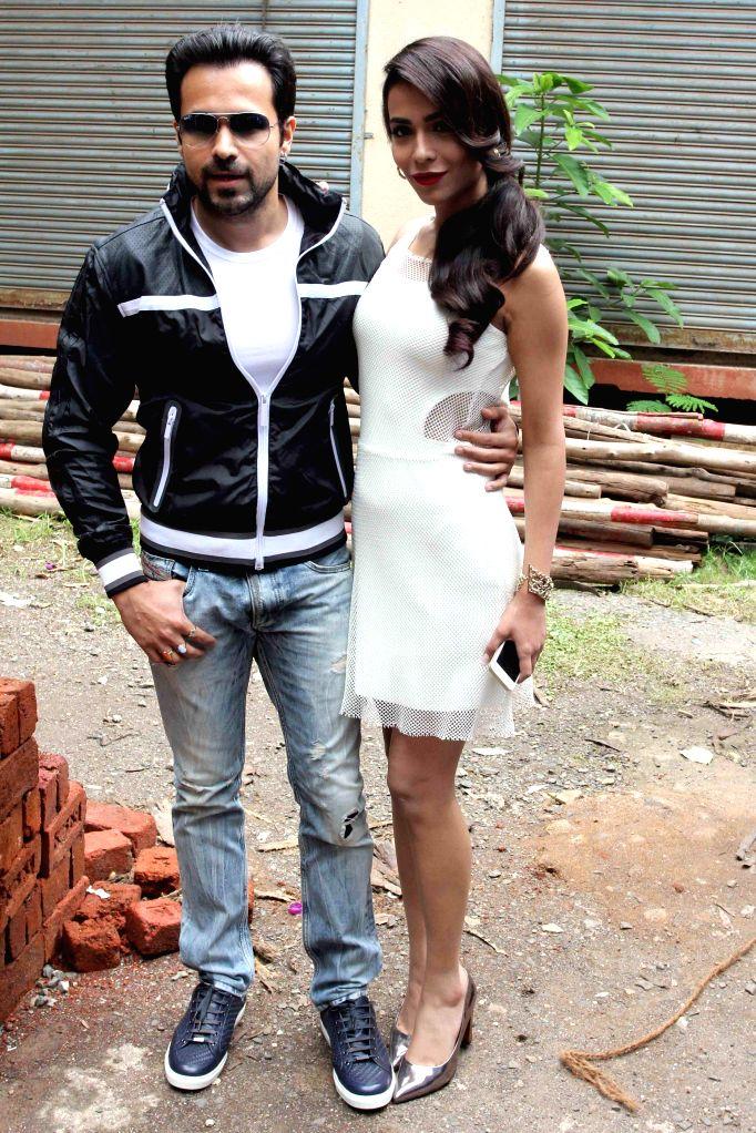 Actors Emraan Hashmi and Humaima Malik during the promotion of film Raja Natwarlal in Mumbai on August 10, 2014. - Emraan Hashmi and Humaima Malik