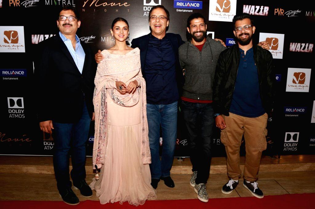 Actors Farhan Akhtar and Aditi Rao Hydari and filmmaker Vidhu Vinod Chopra during a press conference to promote their upcoming film `Wazir`, in New Delhi, on Jan 5 ,2016. - Farhan Akhtar, Aditi Rao Hydari and Vidhu Vinod Chopra