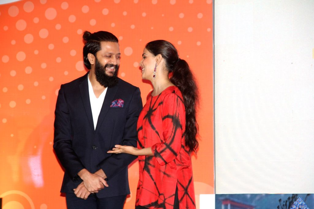 Actors Genelia D'souza and Riteish Deshmukh during the launch of the Labour Analgesia App in Mumbai on Oct 16, 2016. - Genelia and Riteish Deshmukh