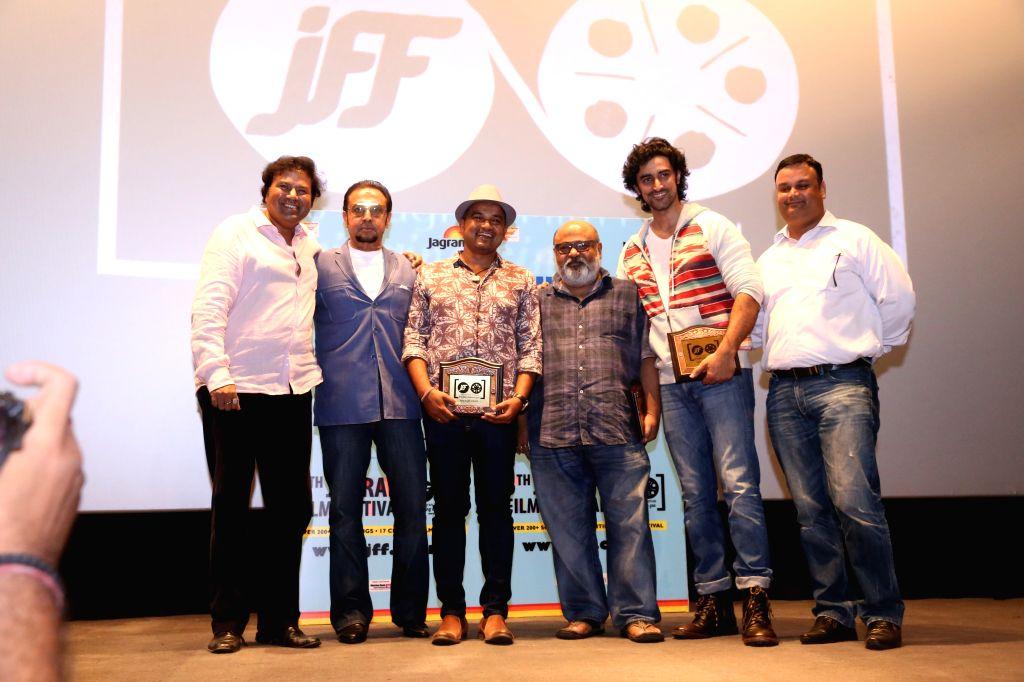 Actors Gulshan Grover, Kunal Kapoor and Saurabh Shukla during the screening of film ``Kaun Kitne Paani Mein`` at the Jagran Film Festival in New Delhi on July 5, 2015. - Gulshan Grover, Kunal Kapoor and Saurabh Shukla