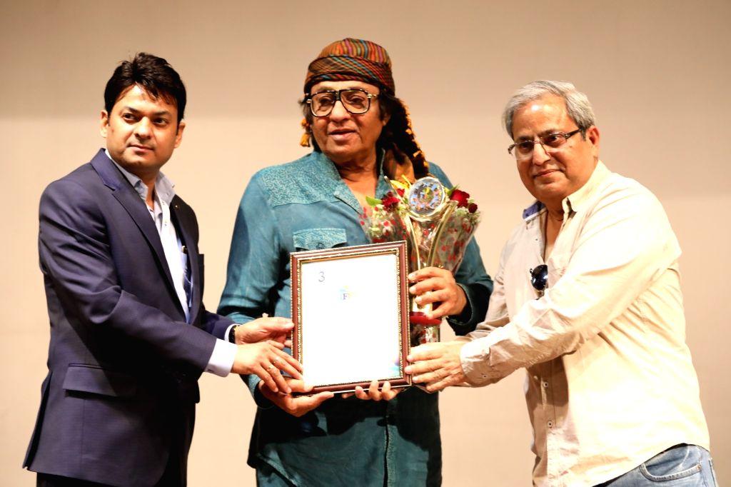 Actors Hasan Haider, Ranjit, and Harvinder Mankkar felicitated at 3rd International Film Festival of Prayag in Mumbai on Feb 27, 2017. - Hasan Haider and Ranjit