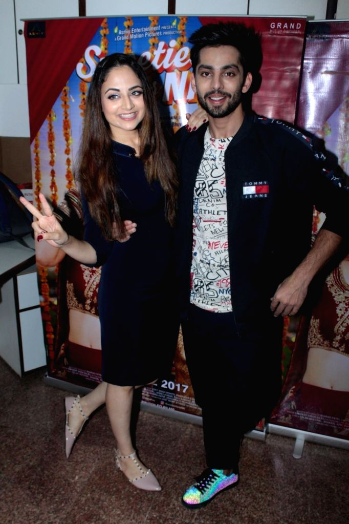 Actors Himansh Kohli and Zoya Afroz during the promotion of film Sweetiee Weds NRI in Mumbai, on June 1, 2017. - Himansh Kohli and Zoya Afroz