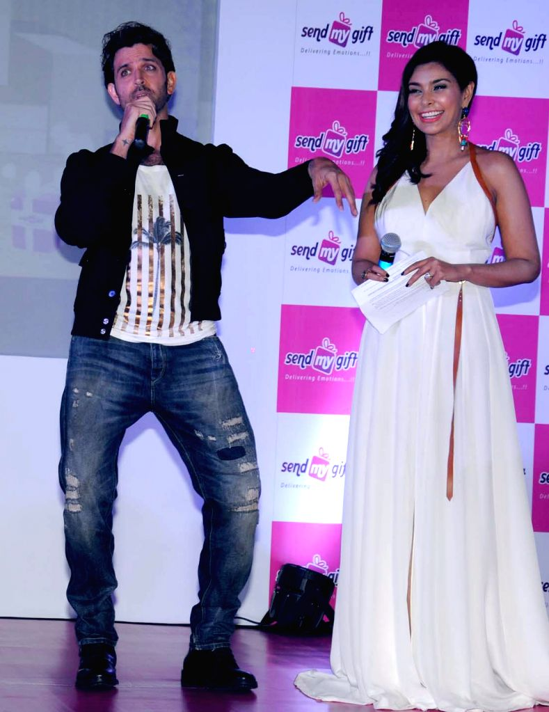 Actors Hrithik Roshan and Lisa Ray at the launch of an  e-commerce website in Bengaluru, on Oct 21, 2015.