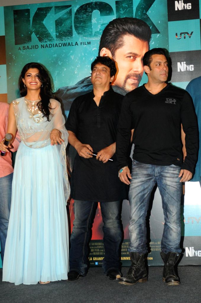 Actors Jacqueline Fernandes, Salman Khan and filmmaker Sajid Nadiadwala during the trailer launch of the film Kick in Mumbai on June 15, 2014. - Jacqueline Fernandes and Salman Khan