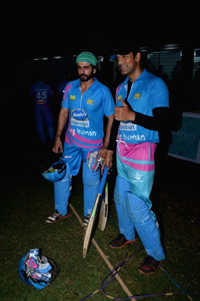 Actors Jay Bhanushali and Sameer Kochhar during the Corporate Cricket Match Season 2, in Mumbai, on Oct 26, 2015. - Jay Bhanushali and Sameer Kochhar