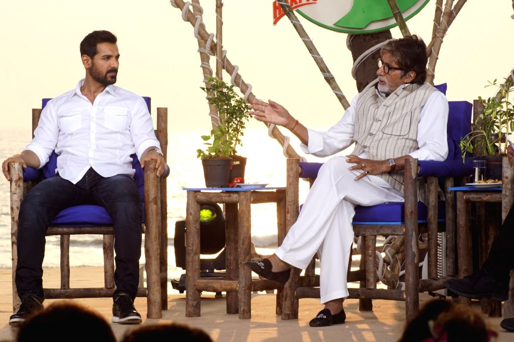 "Actors John Abraham and Amitabh Bachchan at ""Rashtriya Swachhta Diwas"" in Mumbai on Oct 2, 2017. - John Abraham and Amitabh Bachchan"