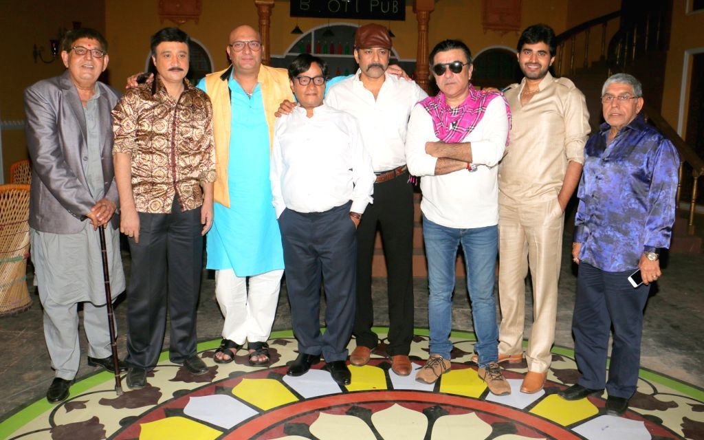 "Actors Jugnu, Avinash Sahijwani, Amit Behl, Brijendra Kala, Deep Raj Rana, Siddharth Nagar, Yash Sinha and Kamal Mehrotra during shooting of film ""Dhappa"", in Mumbai on July 3, 2017. - Jugnu, Avinash Sahijwani, Amit Behl, Brijendra Kala, Deep Raj Rana, Siddharth Nagar, Yash Sinha and Kamal Mehrotra"