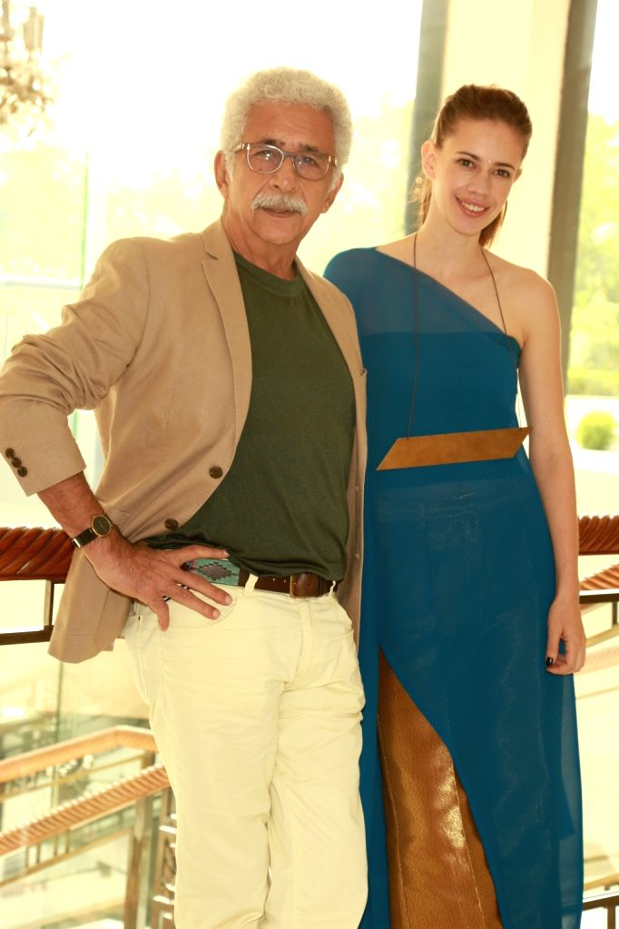 """Actors Kalki Koechlin and Naseeruddin Shah during a press meet to promote their film """"Waiting"""" in New Delhi, on May 27, 2016. - Kalki Koechlin and Naseeruddin Shah"""
