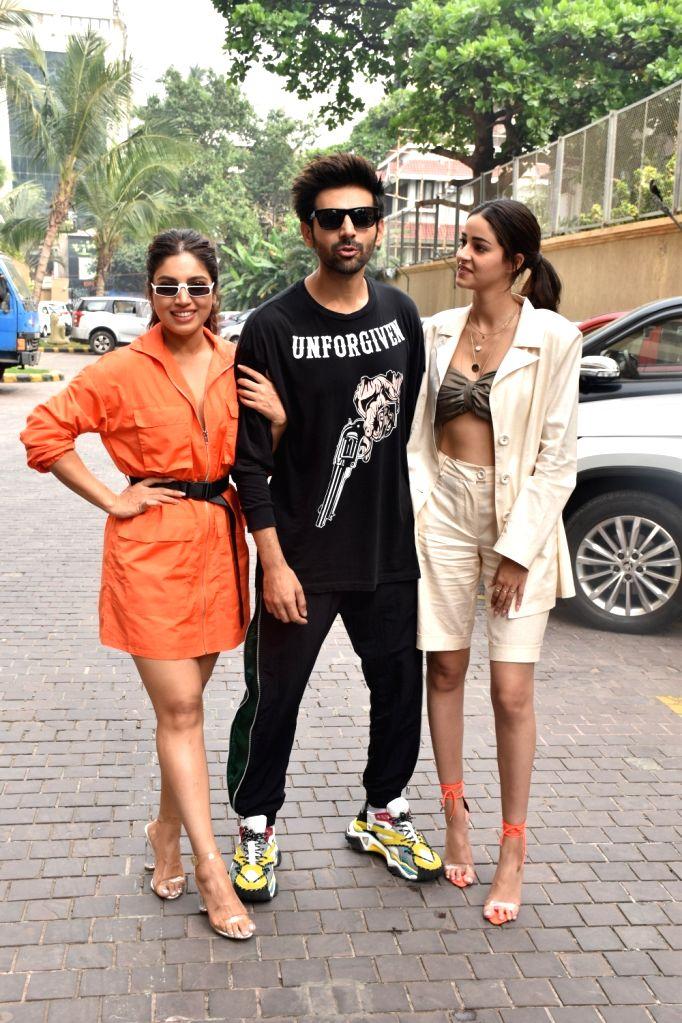 "Actors Kartik Aaryan, Ananya Pandey and Bhumi Pednekar during the promotions of their upcoming film ""Pati Patni Aur Woh"" in Mumbai on Nov 30, 2019. - Kartik Aaryan, Ananya Pandey and Bhumi Pednekar"