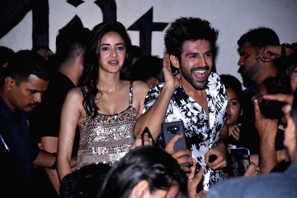 "Actors Kartik Aaryan and Ananya Pandey during the promotions of their upcoming film ""Pati Patni Aur Woh"" in Mumbai on  Dec 1 , 2019. - Kartik Aaryan and Ananya Pandey"