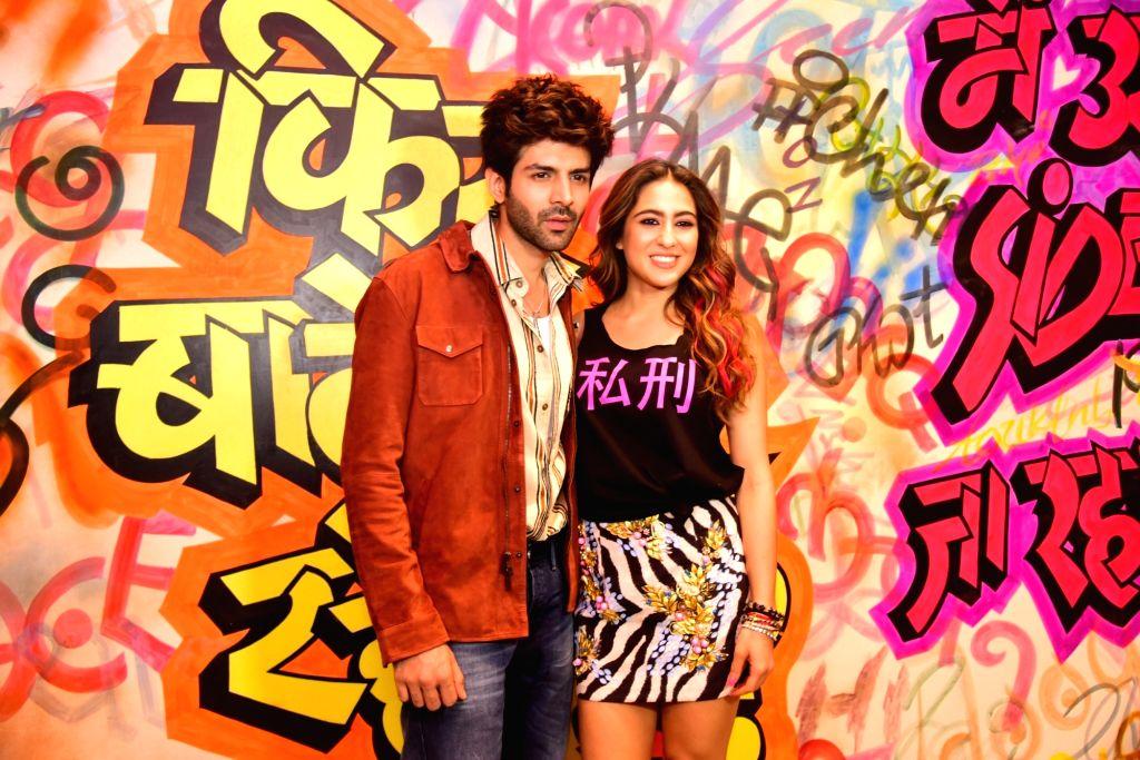 """Actors Kartik Aaryan and Sara Ali Khan during the promotions of upcoming film """"Love Aaj Kal 2"""" , in Mumbai on Feb 9, 2020. - Kartik Aaryan and Sara Ali Khan"""