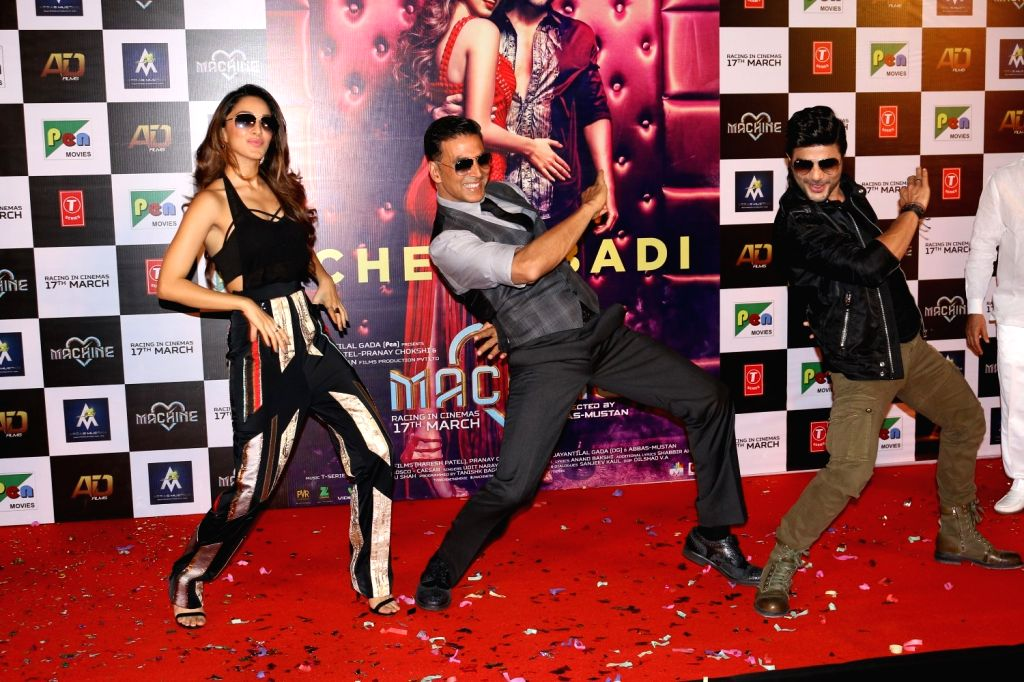 Actors Kiara Advani, Akshay Kumar and Mustafa Burmawala during the song launch Cheez Badi Hai Mast Mast in Mumbai on March 5, 2017. - Kiara Advani, Akshay Kumar and Mustafa Burmawala