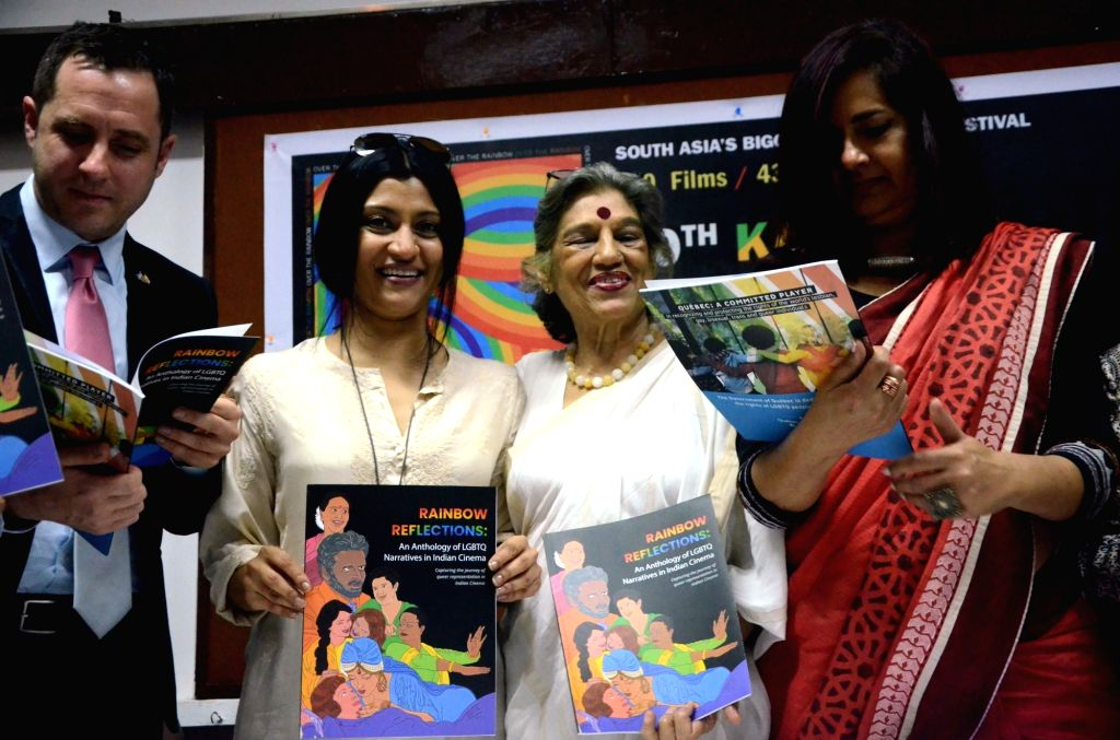 Actors Konkana Sen, Kitu Gidwani and Dolly Thakore with Quebec's Consul & Director Consulate General Dominic Marcotte at the 10th edition of Mumbai International Queer Film Festival 2019, ... - Konkana Sen, Kitu Gidwani and Dolly Thakore