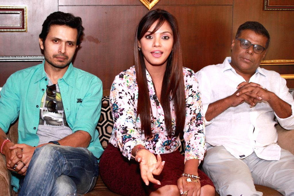 Actors Kranti Prakash Jha, Neetu Chandra and Ashish Vidyarti during a press conference to promote their upcoming film `Once upon A Time in Bihar` in New Delhi, on Oct 24, 2015. - Kranti Prakash Jha, Neetu Chandra and Ashish Vidyarti