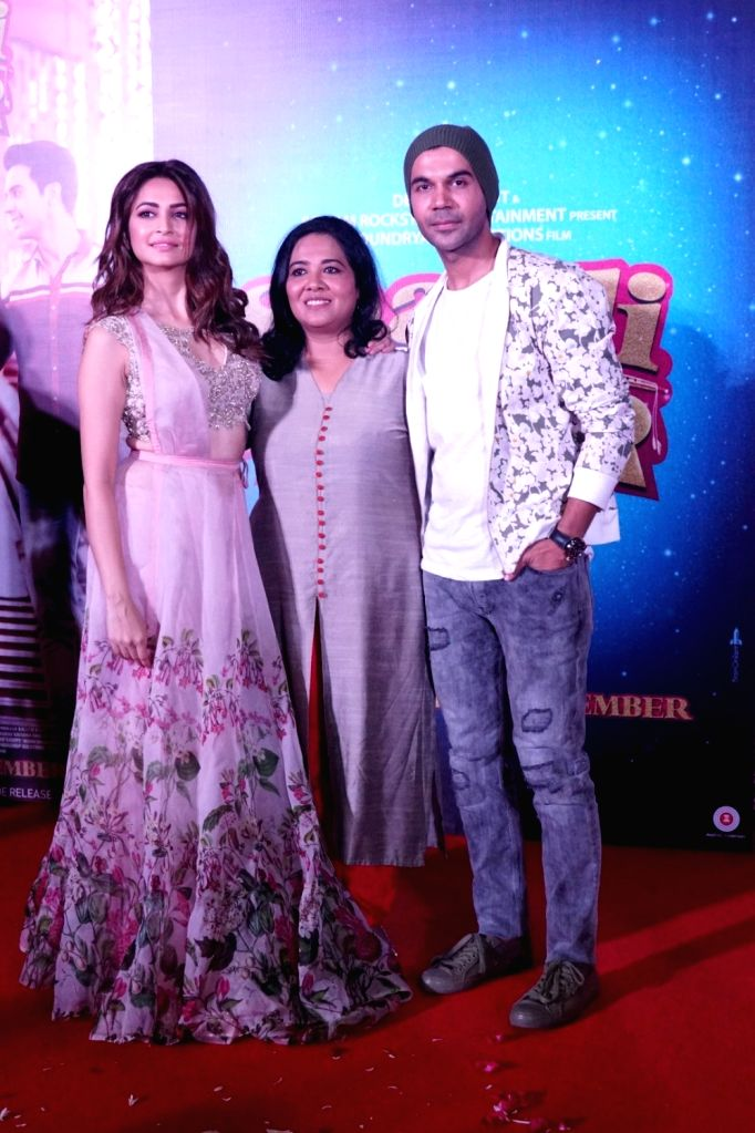 """Actors Kriti Kharbanda, Rajkummar Rao and Director Ratnaa Sinha during the trailer launch of their upcoming film """"Shaadi Mein Zaroor Aana"""" in Mumbai on Oct 10, 2017. - Kriti Kharbanda, Rajkummar Rao and Director Ratnaa Sinha"""