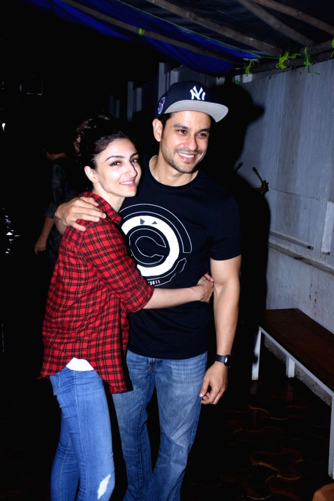 Actors Kunal Khemu and Soha Ali Khan seen at a restaurant in Bandra, Mumbai on Sep 20, 2019. - Kunal Khemu and Soha Ali Khan
