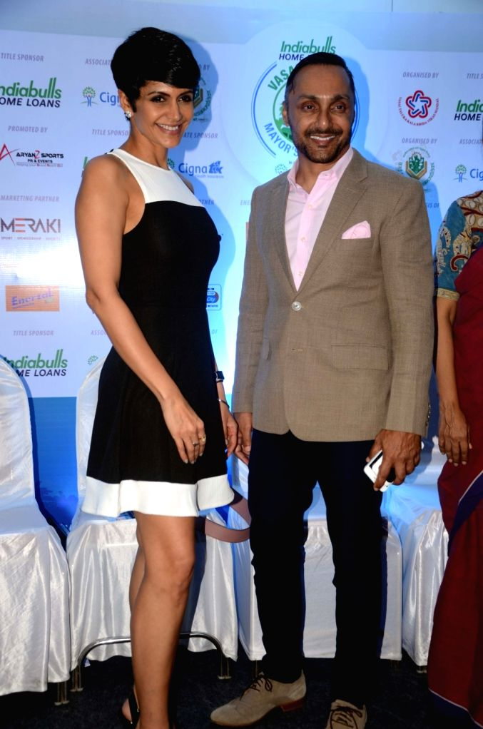 Actors Mandira Bedi and Rahul Bose during a programme organised to announce the 'Vasai-Virar Mayor's Marathon' at Indiabulls Finance Center in Mumbai on Oct 4. 2017. - Mandira Bedi and Rahul Bose