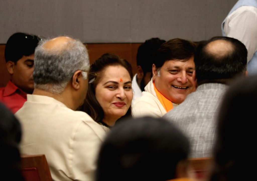 Actors Manoj Joshi and Jaya Prada during a programme at BJP's headquarter, in New Delhi, on May 5, 2019. - Manoj Joshi and Jaya Prada