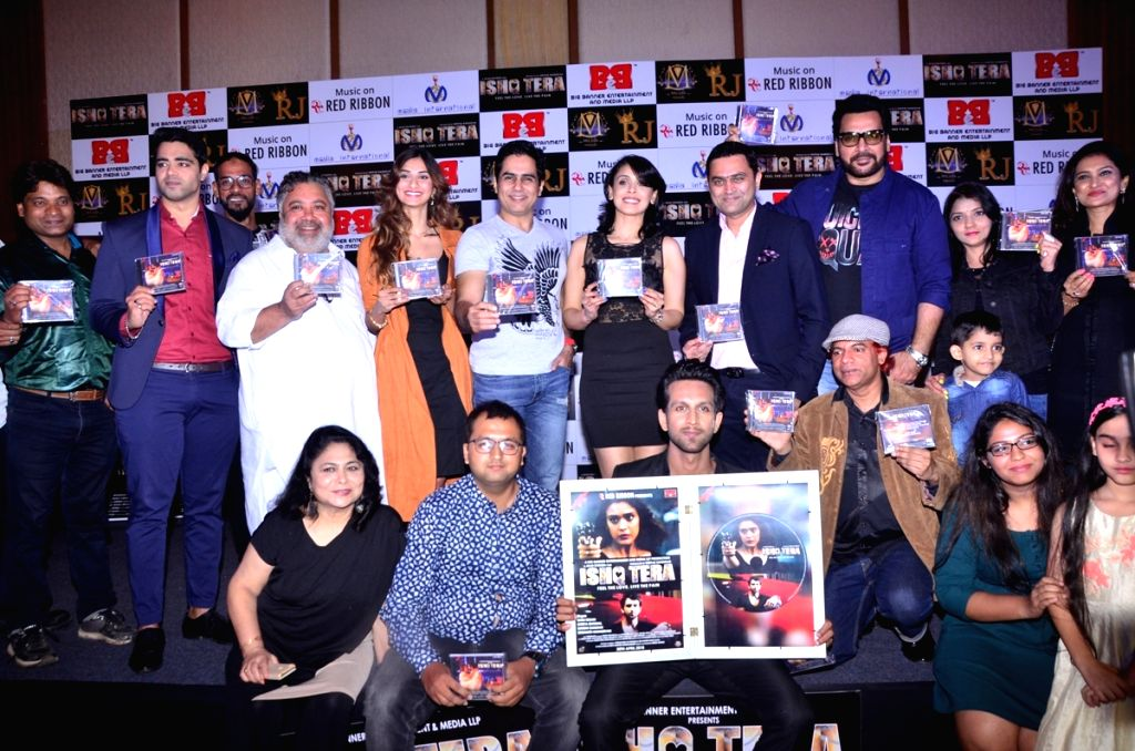 "Actors Mohit Madaan, Diksha Singh, Manoj Pahwa and Aman Verma during music launch of upcoming film ""Ishq Tera"" in Mumbai, on March 27, 2018. - Mohit Madaan, Diksha Singh, Manoj Pahwa and Aman Verma"