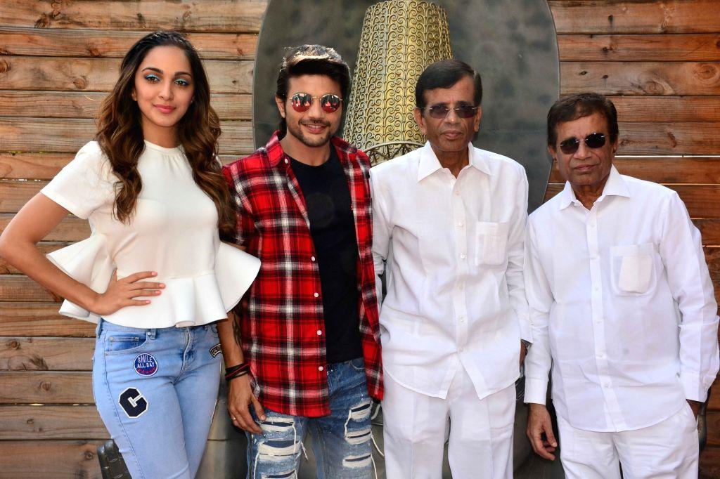 Actors Mustafa Burmawala, Kiara Advani, director Abbas and Mustan Burmawalla during the promotion of their upcoming film ''Machine'' in Jaipur on March 11, 2017. - Abbas, Mustafa Burmawala and Kiara Advani