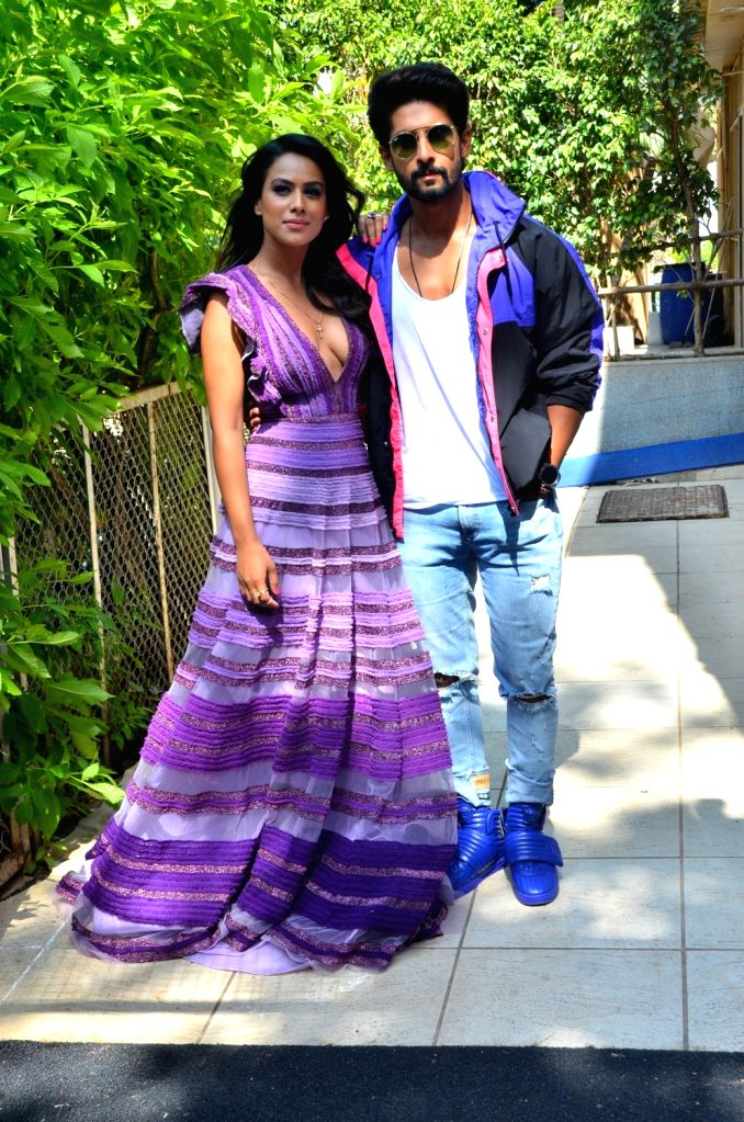 """Actors Nia Sharma and Ravi Dubey during the promotion of their upcoming web series """"Jamai Raja 2.0"""", in Mumbai, on Aug 29, 2019. - Nia Sharma and Ravi Dubey"""