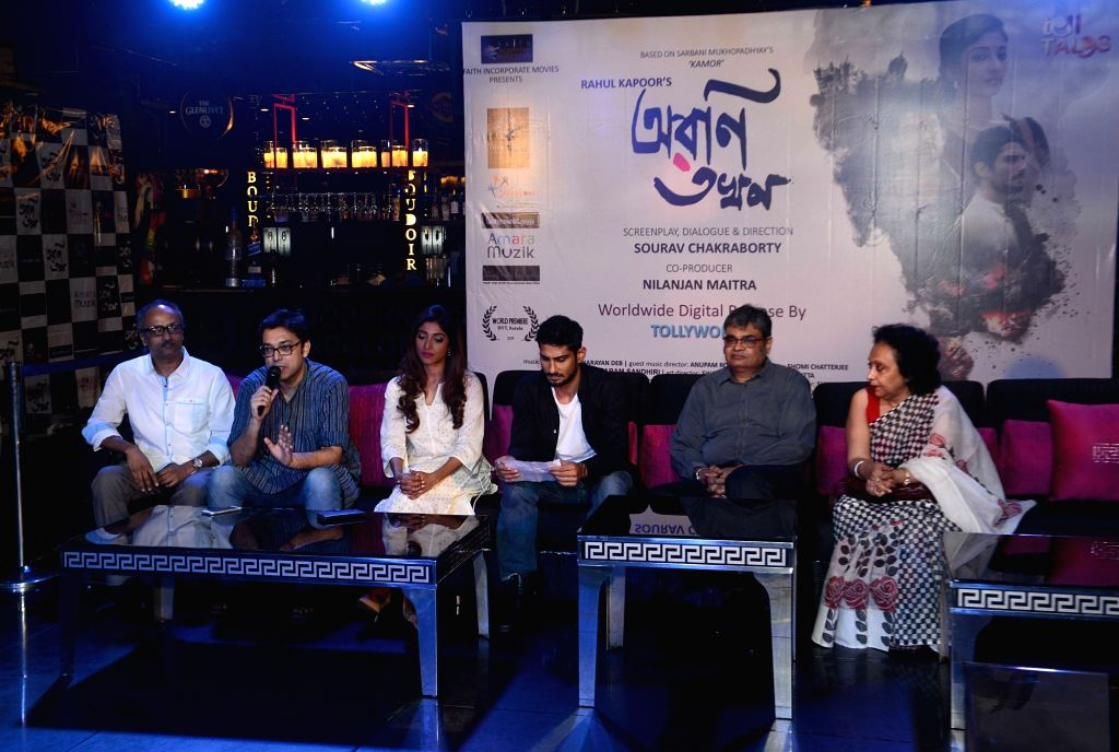 Actors Paoli Dam, Prateik Babbar, director Sourav Chakraborty and singer Anupam Roy during the trailer launch of the film 'Aroni Tokhon' in Kolkata on May 20, 2017. - Sourav Chakraborty, Paoli Dam, Prateik Babbar and Anupam Roy