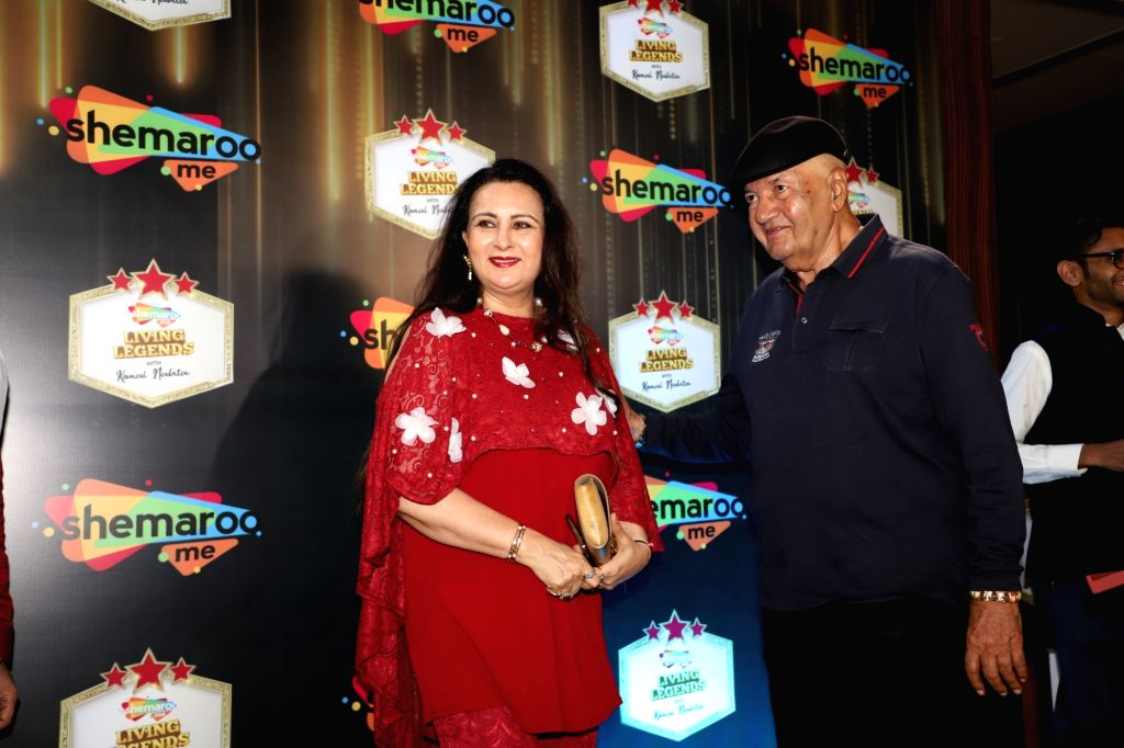 "Actors Poonam Dhillon and Prem Chopra during a programme where ShemarooMe announced the launch of its chat show ""Komal Nahta....Aur Ek Kahani"" to revisit the Golden era and ... - Poonam Dhillon and Prem Chopra"