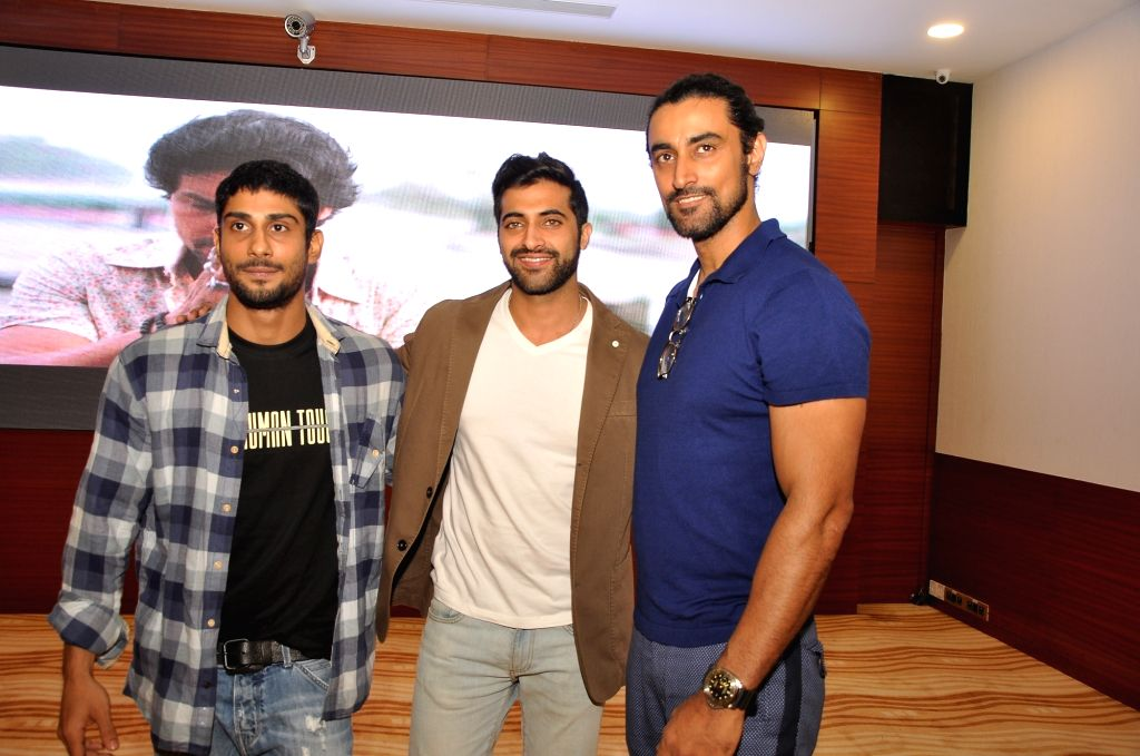 Actors Prateik Babbar, Akshay Oberoi and Kunal Kapoor during the screening of film Laal Rang hosted by Akshay Oberoi, in Mumbai on April 20, 2016. - Prateik Babbar, Akshay Oberoi and Kunal Kapoor