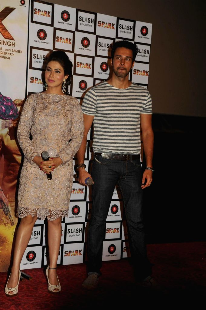 Actors Rajneesh Duggal and Mansha Bahl during the trailer launch of film Spark in Mumbai on July 21, 2014. - Rajneesh Duggal and Mansha Bahl