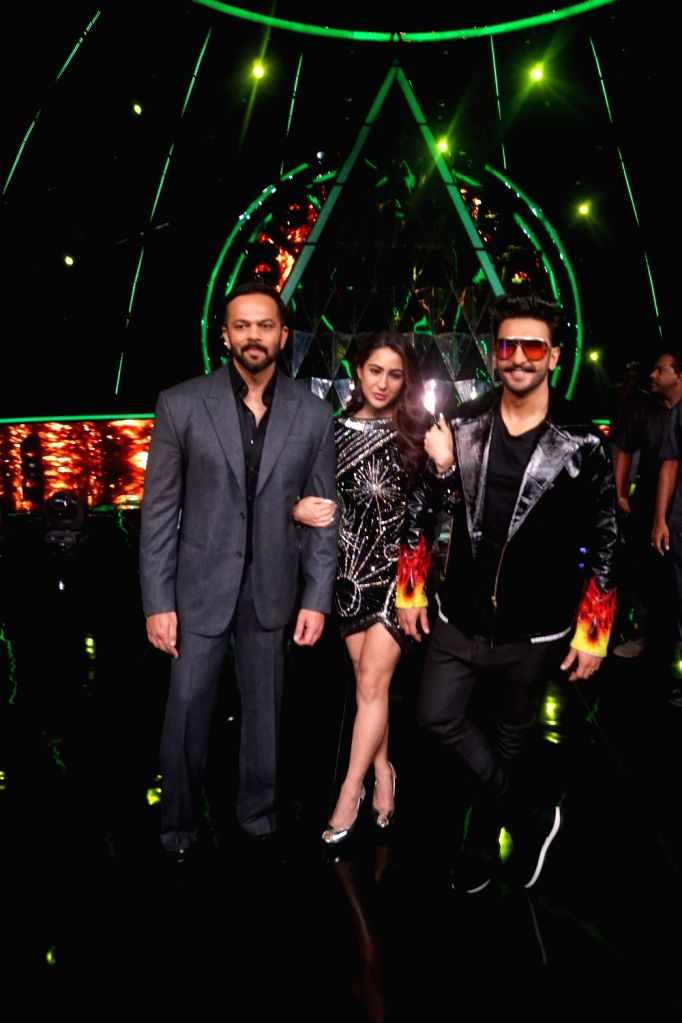 "Actors Ranveer Singh and Sara Ali Khan on the sets of Indian Idol Season 10 to promote their upcoming film ""Simmba"" in Mumbai on Dec 13, 2018. - Ranveer Singh and Sara Ali Khan"