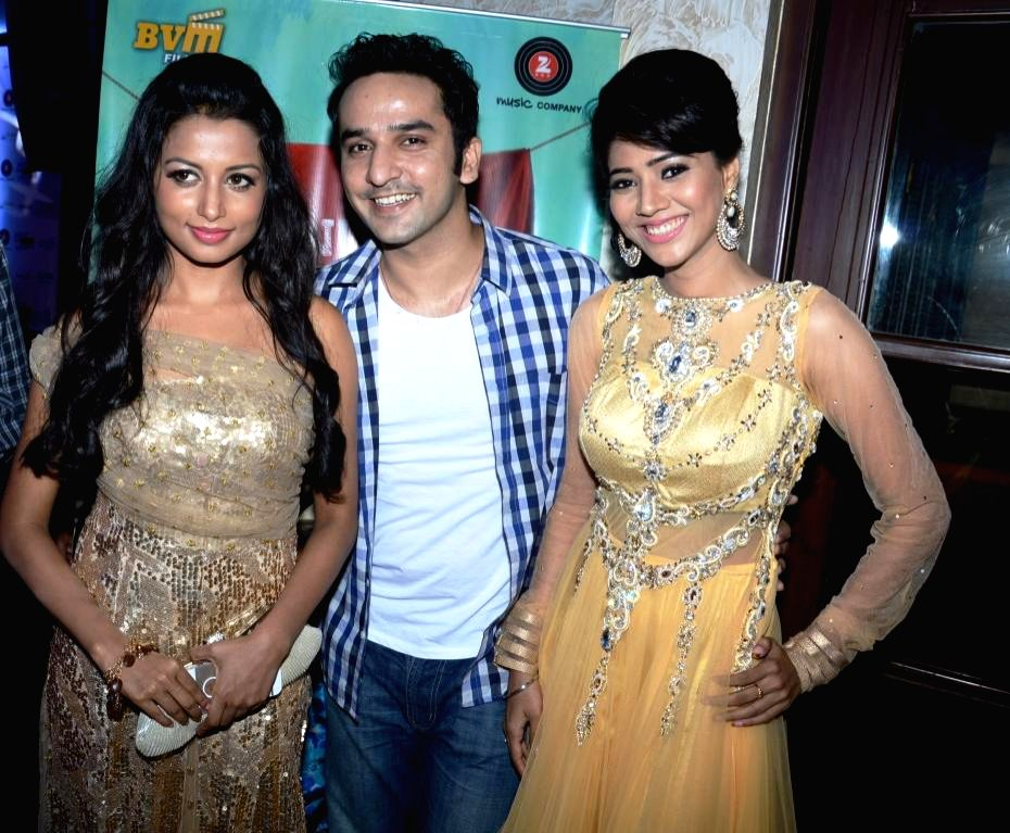 Actors Reecha Sinha, Puru Chibber, Rashee during the music launch of film Mainu Ek Ladki Chahiye in Mumbai on Aug 11, 2014. - Reecha Sinha, Puru Chibber and Rashee