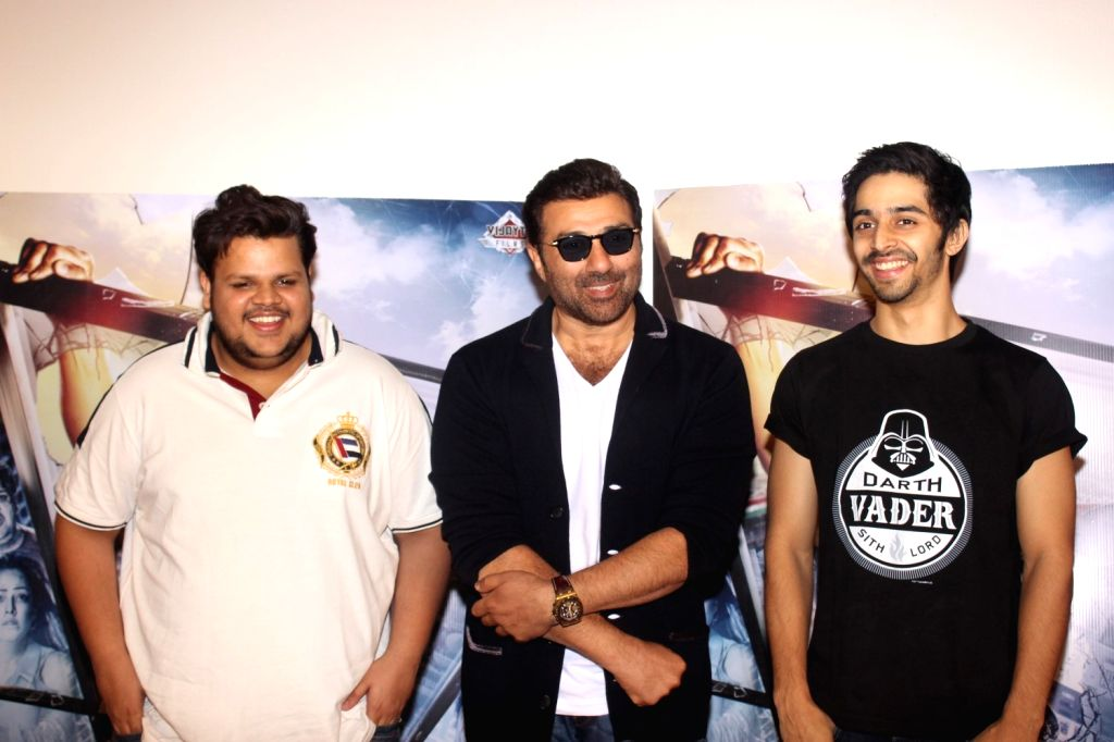 Actors Rishabh Arora, Sunny Deol and Shivam Patil during the trailer launch of film Ghayal Once Again, in Mumbai, on Jan 21, 2016. - Rishabh Arora, Sunny Deol and Shivam Patil