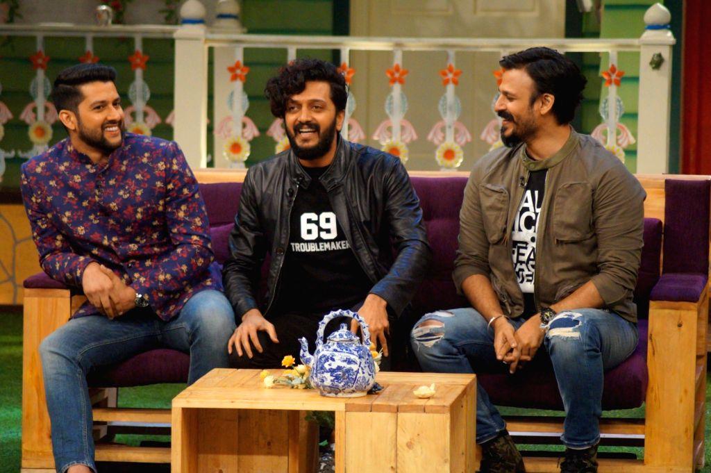 Actors Riteish Deshmukh, Aftab Shivdasani and Vivek Oberoi during the promotion of film Great Grand Masti 3 on the sets of The Kapil Sharma Show , in Mumbai, on July 12, 2016. - Riteish Deshmukh, Aftab Shivdasani and Vivek Oberoi