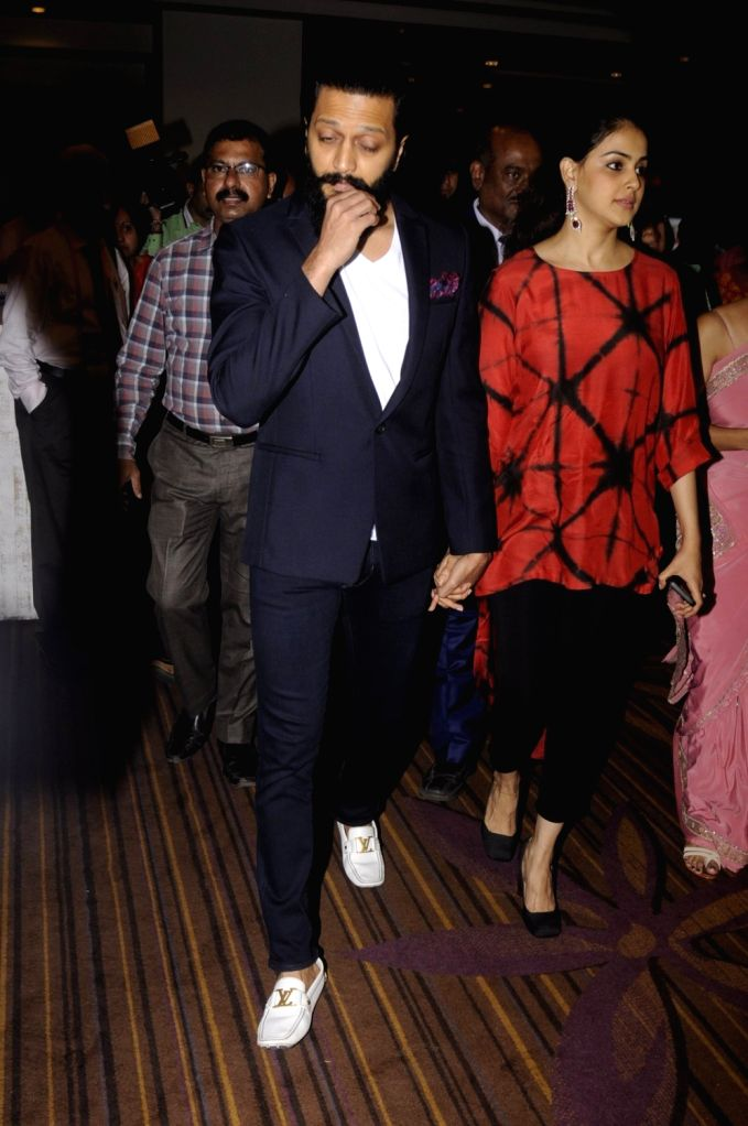 Actors Riteish Deshmukh and Genelia D'souza during the launch of the Labour Analgesia App, Birth Ease in Mumbai on Oct. 16, 2016. - Riteish Deshmukh and Genelia
