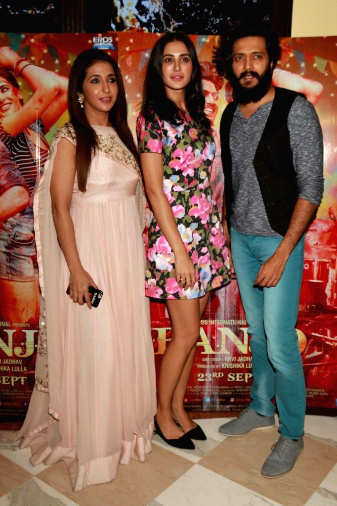 "Actors Riteish Deshmukh, Nargis Fakhri and producer Krishika Lulla during a press confrence to promote their upcoming film ""Banjo"" in New Delhi on Sept 19, 2016. - Riteish Deshmukh and Nargis Fakhri"