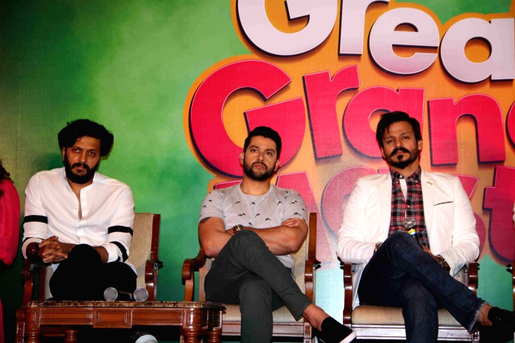 Actors Riteish Deshmukh, Vivek Oberoi and Aftab Shivdasani during the press conference on the issue of piracy and online leak of the film Great Grand Masti, in Mumbai, on July 16, 2016. - Riteish Deshmukh, Vivek Oberoi and Aftab Shivdasani