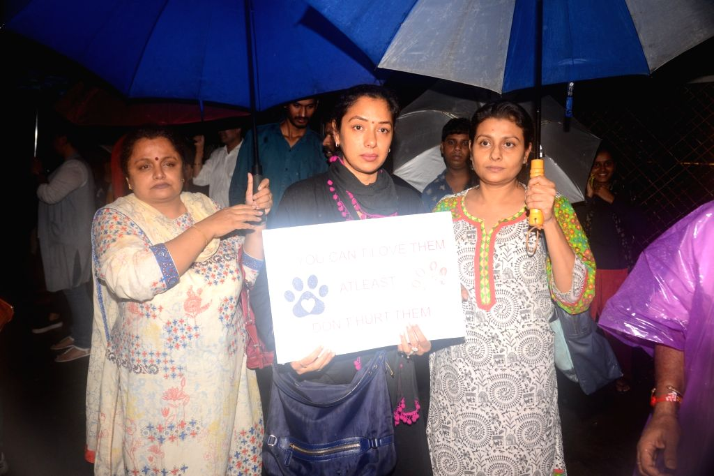 Actors Rupali Ganguly and Jaya Bhattacharya participate in a demonstration to demand justice for a stray dog that was brutally beaten up by security guards of a residential complex in Mumbai, ... - Rupali Ganguly and Jaya Bhattacharya