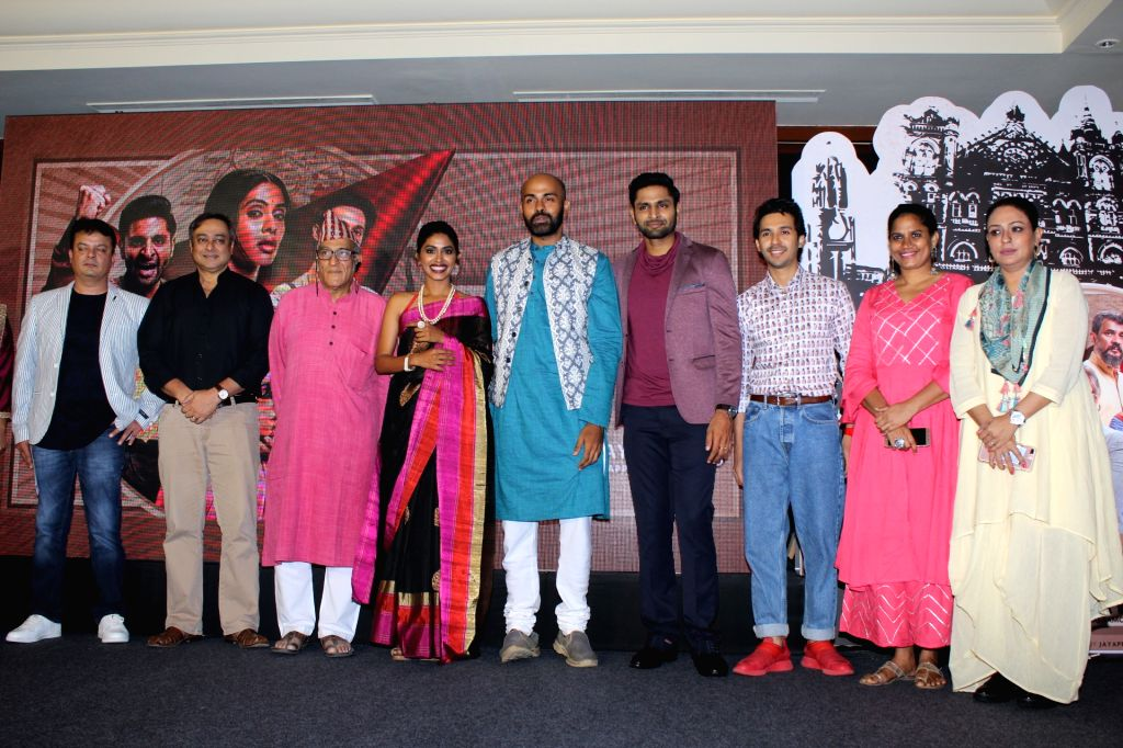 Actors Sachin Khedekar, Mohan Agashe, Anjali Patil, Vaibhav Tatwawaadi, Abhay Mahajan and Ashwini Kalsekar at the screening of the documentary 'Muhurth' in Mumbai, on April 25, 2019. - Sachin Khedekar, Mohan Agashe, Anjali Patil, Vaibhav Tatwawaadi, Abhay Mahajan and Ashwini Kalsekar