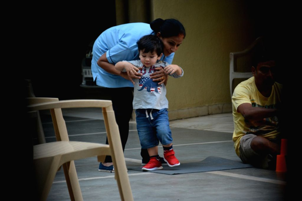 Actors Saif Ali Khan and Kareeena Kapoor's son Taimur Ali Khan seen at Bandra, Mumbai on Feb 6, 2019. - Saif Ali Khan, Kareeena Kapoor and Taimur Ali Khan