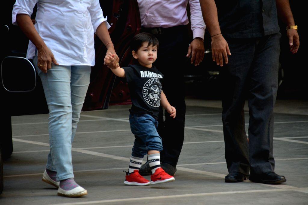 Actors Saif Ali Khan and Kareeena Kapoor's son Taimur Ali Khan seen at Bandra, Mumbai on Feb 9, 2019. - Saif Ali Khan, Kareeena Kapoor and Taimur Ali Khan