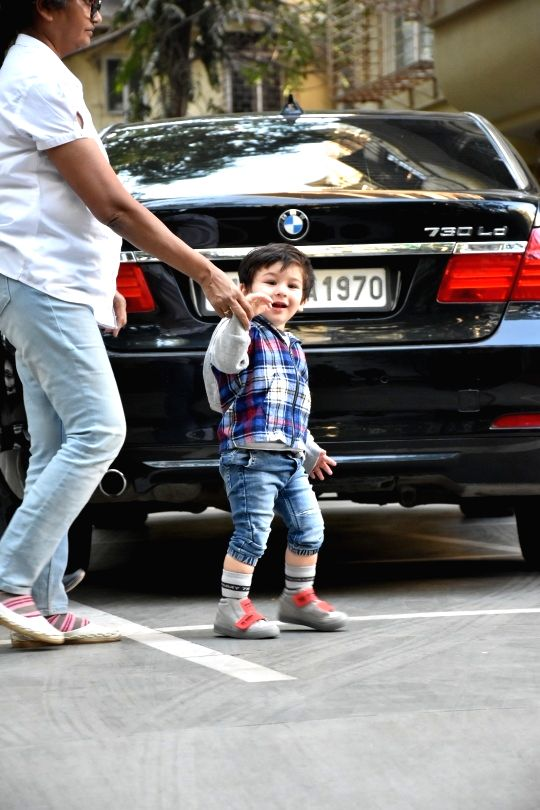 Actors Saif Ali Khan and Kareeena Kapoor's son Taimur Ali Khan seen at Bandra in Mumbai on Feb 11, 2019. - Saif Ali Khan, Kareeena Kapoor and Taimur Ali Khan