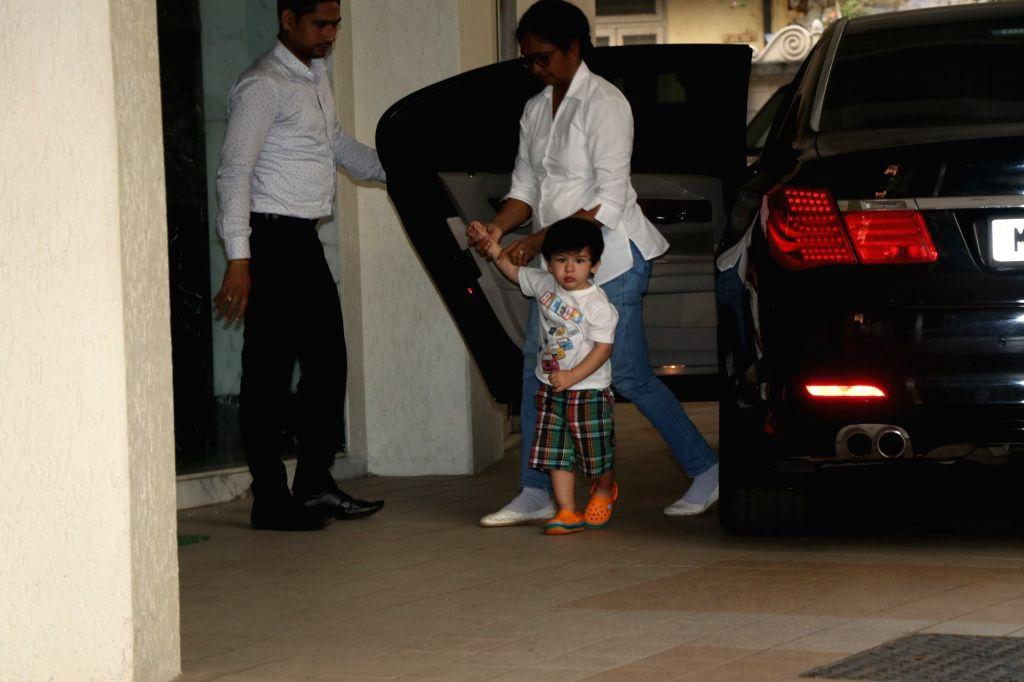 Actors Saif Ali Khan and Kareeena Kapoor's son Taimur Ali Khan seen at Mumbai's Bandra on Feb 25, 2019. - Saif Ali Khan, Kareeena Kapoor and Taimur Ali Khan