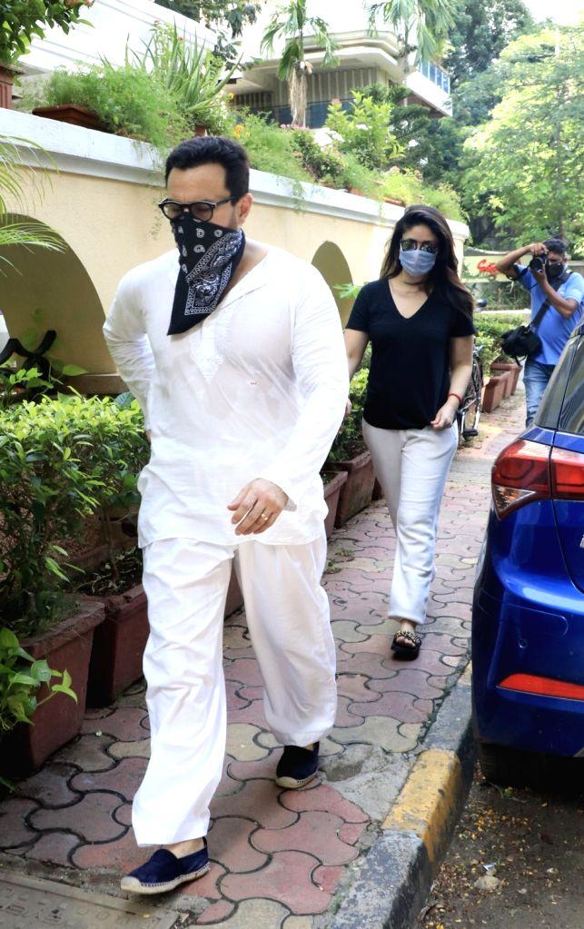 Actors Saif Ali Khan and Kareena Kapoor Khan seen at  Bandra in Mumbai  on June 25, 2020. - Saif Ali Khan and Kareena Kapoor Khan